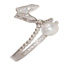 انگشتر مروارید با پروانه طرح جواهری پشت حلقه