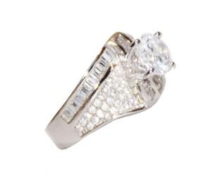 انگشتر نقره  طرح جواهر آبکاری شده با طلا سفید