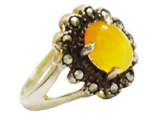 انگشتر شرف الشمس  طرح گل با نگین های مارکیز قلم کاری شده