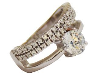 انگشتر نقره طرح حلقه پشت انگشتر جواهری با نگین های زیرکونیا آبکاری طلا سفید