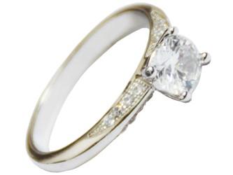انگشتر نقره طرح تک نگین جواهری با نگین های زیرکونیا و روکش طلا سفید