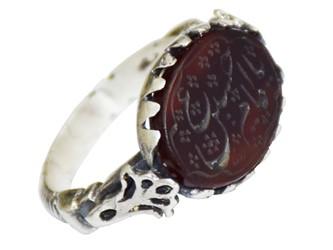 """انگشتر نقره عقیق خطی """"یا امام حسین(ع)"""" کار دست استاد مجد طرح صفوی"""