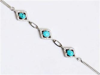 دستبند نقره فیروزه نیشابور طرح سه لوزی جواهری  با نگین های زیرکونیا و روکش طلا سفید